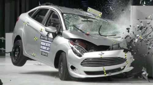 140121164011-iihs-small-car-crash-test-00001705-620x348