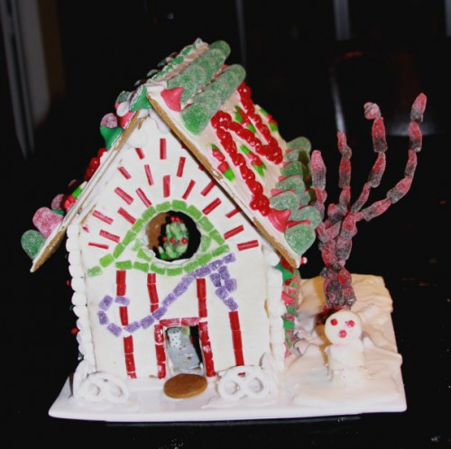 full-gingerbread-house-2009